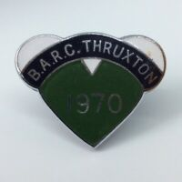 BARC BRITISH AUTOMOBILE RACING CLUB THRUXTON 1970 ENAMEL PIN BADGE