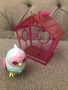 Little Live Pets Lil' Bird and House Moose Toys Ltd Sings