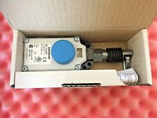 SIEMENS SIRIUS 3SE7 150-1BF00 Cable Operated Switch 3SE71501BF00  Pull Cord