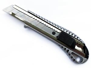 Profi Alu Cuttermesser 18 mm mit Rastervorschub und Auto-Stopp