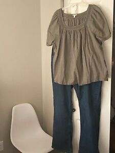 Women's outfit Levi's jeans size 20 W and Sonoma blouse size 2X