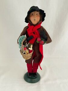 1998 Byers Choice Carolers Man with basket of toys, apples and red scarf