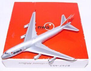 """Navigator 1:400 BOEING 747 NWA """"NORTHWEST AIRLINES"""" Passenger Plane MIB`98 RARE!"""