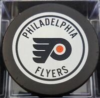 1980s VINTAGE PHILADELPHIA FLYERS NHL VICEROY SLUG CANADA HOCKEY PUCK +HOLE B.S.