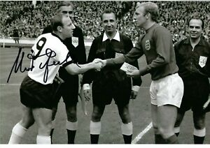 12x8 Inch  30x20cm HAND SIGNED PHOTO UWE SEELER  WEST GERMANY 1966 WORLD CUP