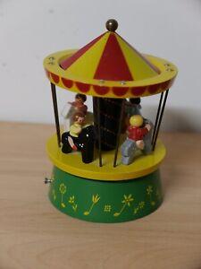 Spieluhr Pferdekarussell mit Reuge Spielwerk