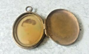ANTIQUE SMALL SWEETHEART / LOCK HAIR MOURNING LOCKET - WITH PHOTO