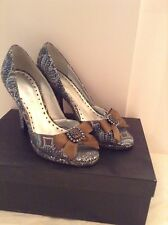 NEW BCBG GIRLS SLIVER BLUE BROCADE OPEN TOE SHOES SZ 6
