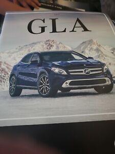 2017 Mercedes -Benz GLA  Brochure