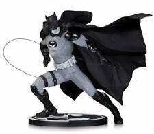 Figurine en résine avec batman