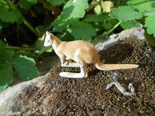 "Rare Ancien jouet en aluminium peint "" le kangourou - kangaroo "" Quiralu"