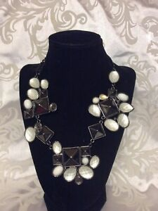 Avon Mark. MODERN ART NECKLACE  Necklace With Opaque, Black And White.