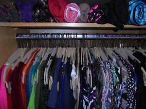 Marken Bekleidungspaket 30 Teile Damen gemischt viele bekannte Marken S - L