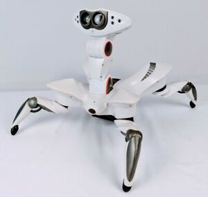 WowWee ROBOQUAD 2007 White Interactive Robot No Remote - For Parts Repair Read
