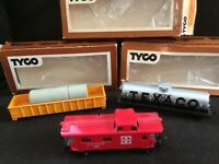 Tyco HO Scale Lot of 3 Gondola Caboose Oil car Texaco all EUC with boxes SALE!