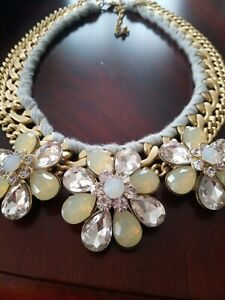 Chic Ladies Mint String Gold tone  Necklace Gold Metal Chunky flower stones