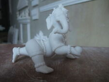 Künstlerische Skulpturen mit Elefanten-Motiv