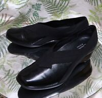 CLARKS BLACK LEATHER SLIP ONS SLIDES LOAFERS DRESS WORK SHOES US WOMENS SZ 6.5 M