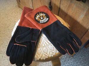 Harley-Davidson Ride Free Leather made w/Kevlar Gloves. Orange, Black.  New. L.