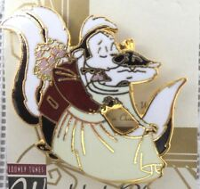 Pepe Le Pew & Penelope Pin WEDDING wb Warner Brothers MOC Looney Tunes Bros