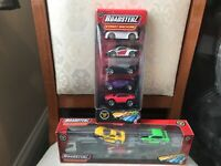 ROADSTERZ CAR TRANSPORTER AND STREET MACHINES CAR SETS NEW