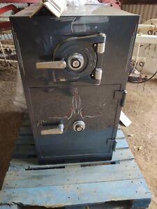 Mosler safe vintage
