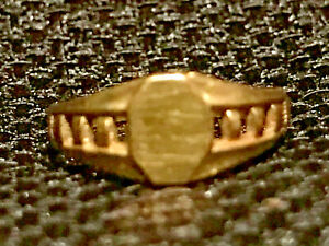 VINTAGE 10K YELLOW GOLD INITIAL SIGNET BABY RING .6 GRAMS SIZE 1.5  PRETTY