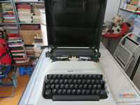 Machine for Write Mechanical Olivetti Letter 10 - Mario Bellini Year 1978