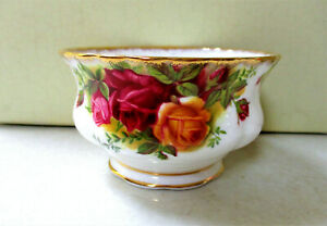 """ROYAL ALBERT  """"Old Country Roses""""   Large Open Sugar Bowl   1st Quality."""