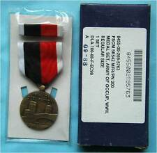 Original WW2 ARMY OF OCCUPATION MEDAL IN THE BOX, badge etui