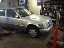 PARTING OUT MERCEDES E300D 124 1995,COMPLETE WITH  606 MOTOR