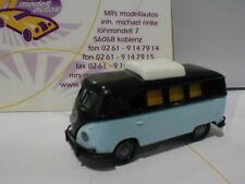 "Brekina 31568 # VW T1B Camper Bj.1970 Hubdach geschlossen in ""schwarz-blau"" 1:87"