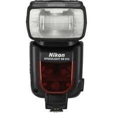 Nikon SB-910 AF Speedlight with case. Condition 10 out of 10.