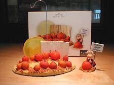 Hallmark Peanuts Halloween Ornament Display 2006 Linus & Great Pumpkin Patch New