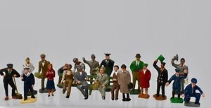 DINKY TOYS & OTHERS VINTAGE O GAUGE+ STAFF & PASSENGERS -  JOB LOT - LOT D23
