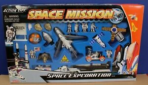 Daron Realtoy Space Mission 28 Piece NASA Kennedy Space Center Play Set Sealed