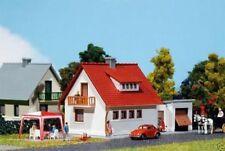 Artículos de modelismo ferroviario FALLER de plástico de color principal blanco