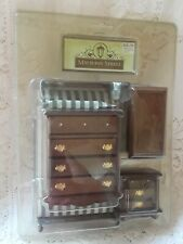New in box Mayberry Street Dollhouse Miniatures bedroom Furniture Bedroom Lot!