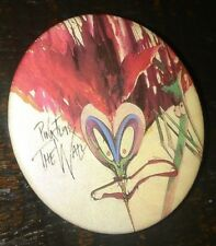 PINK FLOYD THE WALL MUSIC VINTAGE BUTTON PIN RARE MEMORABILIA COLLECTIBLE L@@K A
