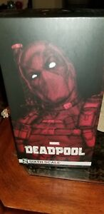 "Hot Toys ""Deadpool"" Comic Version"