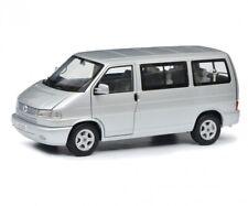 Schuco 1:18 Volkswagen T4b Caravelle silver 450041500