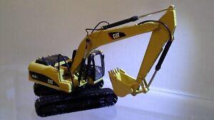 CAT 323D L Excavator by Norscot 1:50 scale  NIB