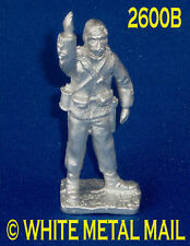 Military Lead Casting LA2600B 24th Foot British Officer with Binoculars