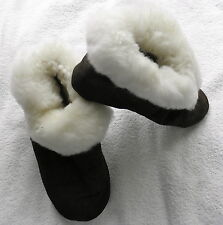 Made In Peru Unisex Alpaca Brown Slippers With White Fur - W 7.5 M 6, Euro 38