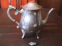 stilvolle vintage Teekanne Silberkanne wunderschön verziert mit Füssen silber pl