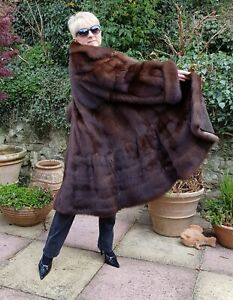 STUNNING GENUINE RUSSIAN NATURAL SABLE FUR COAT NOT MINK OR FOX