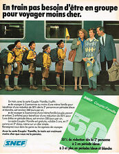 PUBLICITE ADVERTISING 035  1982  SNCF   trains tarif couple/famille