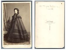 Lefébvre, Paris Madame Robelot épouse de Jules  CDV vintage albumen carte de vis
