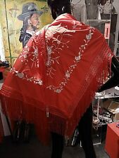 Dreiecksschal Manton Flamenco Andalus Rot/Platin Satinbestickt mit Fransen