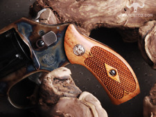 Altamont S&W J Frame Round Classic Wood Grips Walnut Checkered Silver Medallions